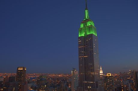 http://pakistaniat.com/images/Empire-State-Green-Eid-New-York.jpg