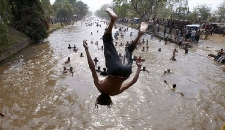 Lagore Canal Pakistan