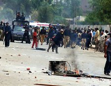 Riots over energy power cuts in Multan, Pakistan