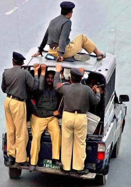 Pakistan police cops tullah